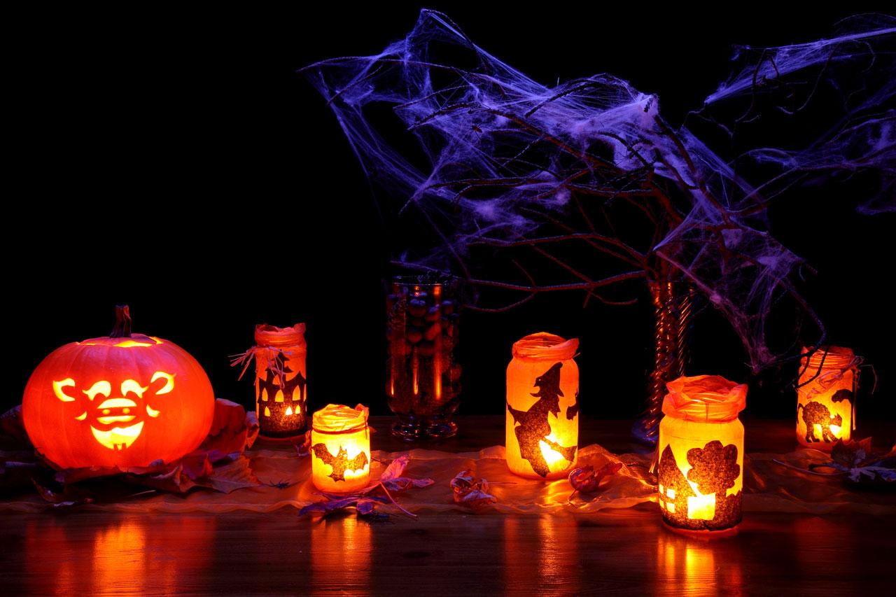 Halloweenfest i skogen