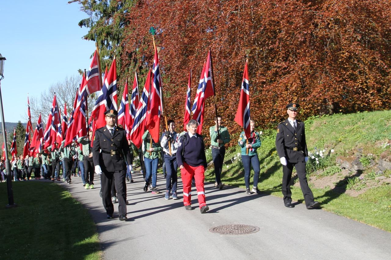 Vil du gå i flaggborgen 17. mai?