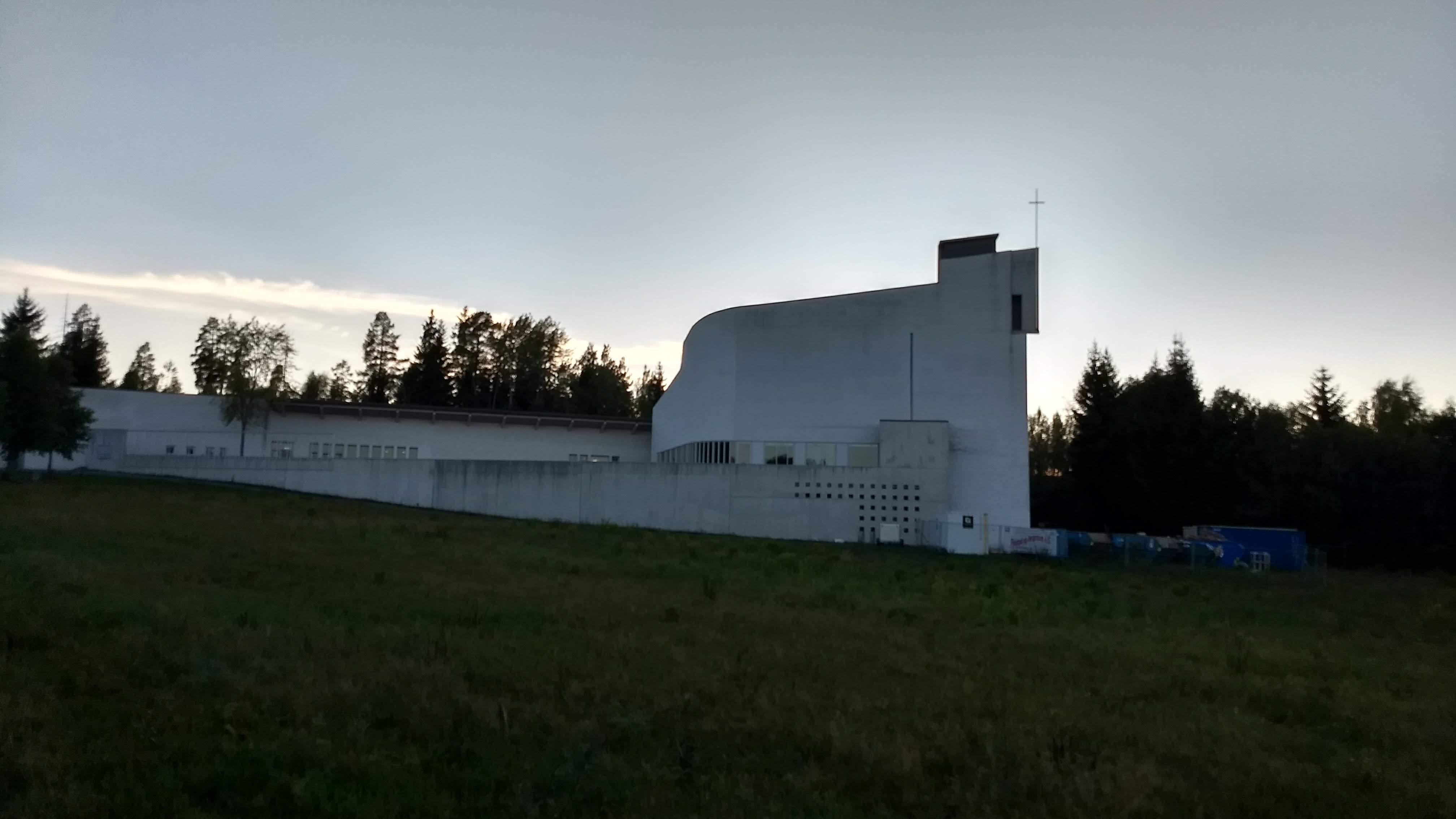 Vandrerhøsttur med kirkebesøk